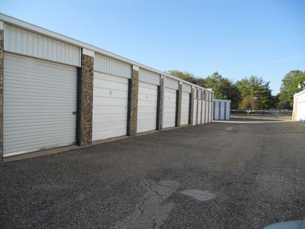 80 West Self Storage 5615 Us-80 Longview, TX - Photo 4