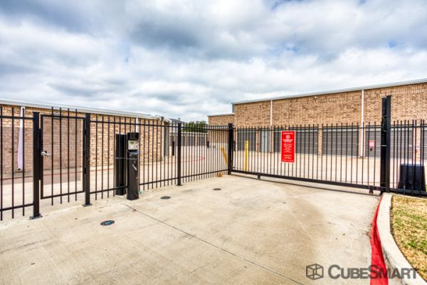 CubeSmart Self Storage - Dallas - 3737 Frankford Rd 3737 Frankford Road Dallas, TX - Photo 5