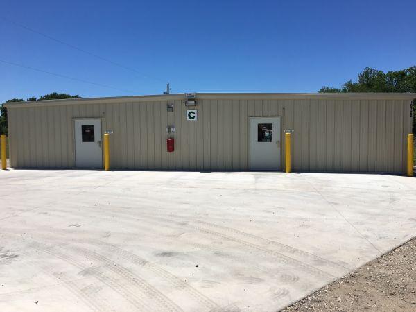 Handy Self Storage 16224 Texas 288 Business Angleton, TX - Photo 1