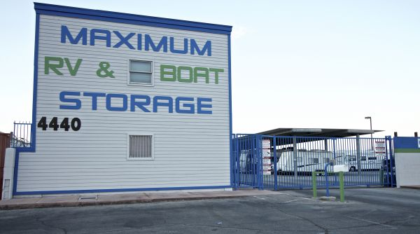 Maximum RV Storage, Lake Mead 4440 East Lake Mead Boulevard Las Vegas, NV - Photo 4