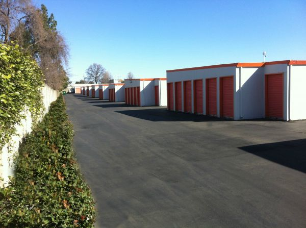 Sentry Storage - Greenback 9344 Greenback Ln Orangevale, CA - Photo 4