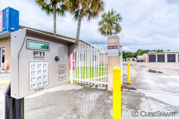 CubeSmart Self Storage - Lakeland - 3345 E Memorial Blvd 3345 US-92 E Lakeland, FL - Photo 4