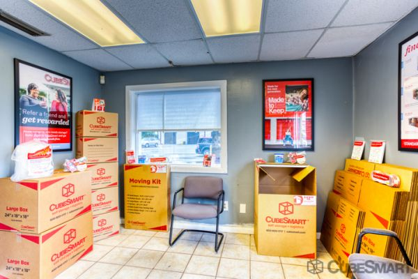 CubeSmart Self Storage - Lakeland - 3345 E Memorial Blvd 3345 US-92 E Lakeland, FL - Photo 5