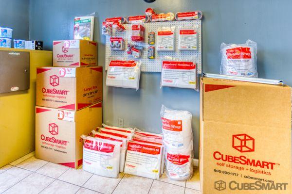 CubeSmart Self Storage - Lakeland - 3345 E Memorial Blvd 3345 US-92 E Lakeland, FL - Photo 6