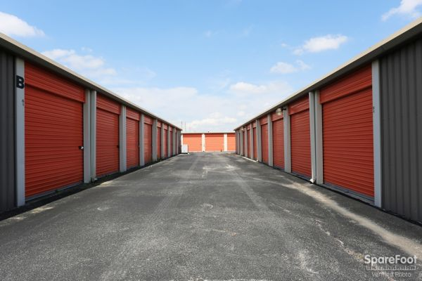 Spencer Mini Storage 11220 Spencer Highway La Porte, TX - Photo 6