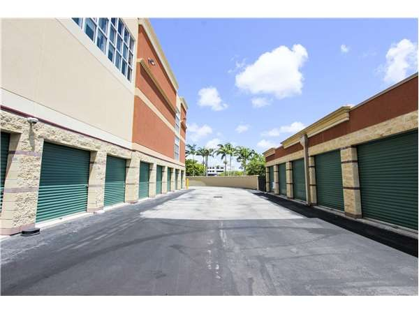 Extra Space Storage - Fort Lauderdale - S State Rd 7 2100 South State Road 7 Fort Lauderdale, FL - Photo 1
