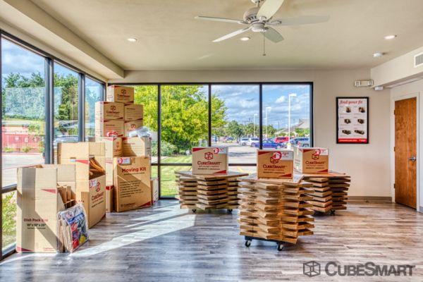CubeSmart Self Storage - Arlington - 2216 W Park Row Dr 2216 West Park Row Drive Arlington, TX - Photo 6