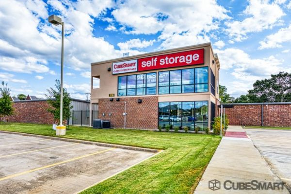 CubeSmart Self Storage - Arlington - 2216 W Park Row Dr 2216 West Park Row Drive Pantego, TX - Photo 0