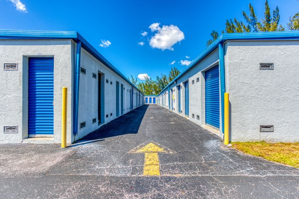 Storage Sense - Hallandale Beach 450 Ansin Boulevard Hallandale Beach, FL - Photo 9