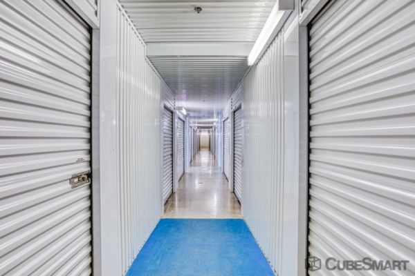 CubeSmart Self Storage - Schertz 21586 IH 35 North Schertz, TX - Photo 2