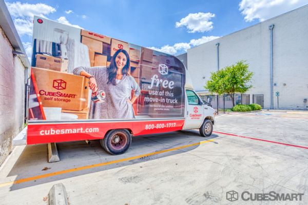 CubeSmart Self Storage - Schertz 21586 IH 35 North Schertz, TX - Photo 5