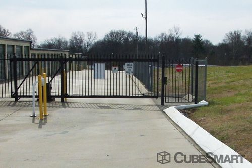 CubeSmart Self Storage - Clarksville 528 Dover Road Clarksville, TN - Photo 1