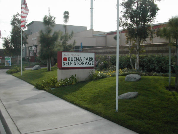 Buena Park Self Storage 7111 Mcneil Lane Buena Park, CA - Photo 2