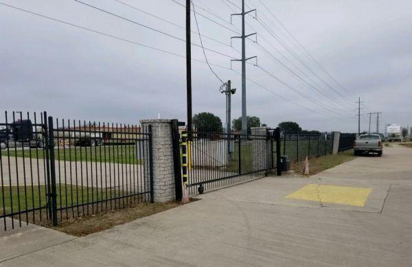 Belton Storage, LLC 1709 Sparta Road Belton, TX - Photo 2