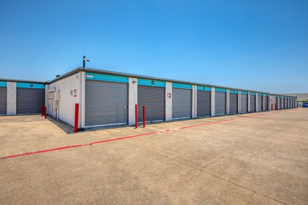 Plano Bargain Storage - 3420 14th St 3420 14th Street Plano, TX - Photo 4