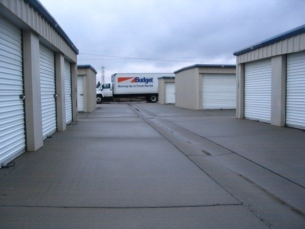 Pelandale Self Storage 340 Pelandale Ave Modesto, CA - Photo 2