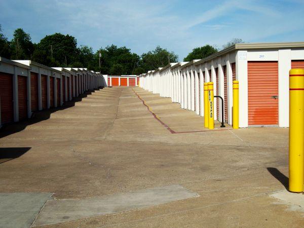 American Harbor Self Storage 7227 South R. L. Thornton Freeway Dallas, TX - Photo 2