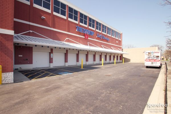 The Lock Up Self Storage - Park Ridge 750 Busse Highway Park Ridge, IL - Photo 3