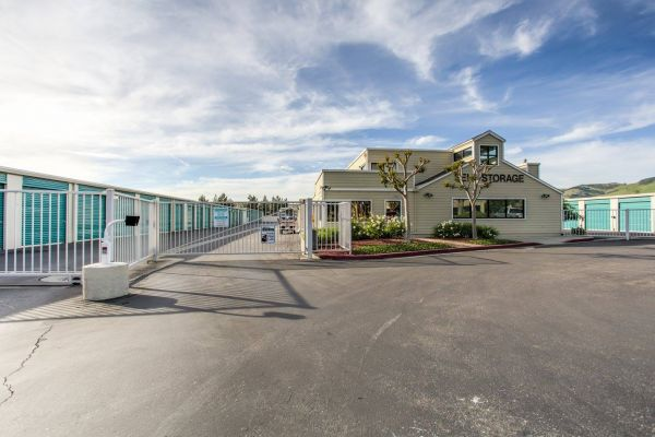Cochrane Road Self Storage 411 Woodview Ave Morgan Hill, CA - Photo 1