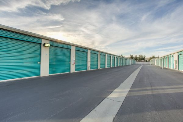 Cochrane Road Self Storage 411 Woodview Ave Morgan Hill, CA - Photo 3