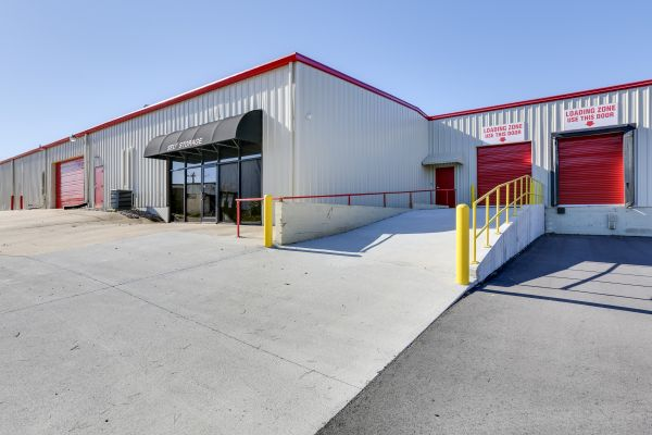 10 Federal Self Storage - 502 Industrial Park Ave, Asheboro, NC 27205 502 Industrial Park Avenue Asheboro, NC - Photo 6