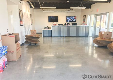 CubeSmart Self Storage - Metairie - 3017 N Causeway Blvd 3017 North Causeway Boulevard Metairie, LA - Photo 4
