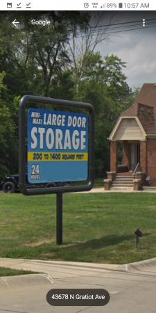 Mini Maxi Large door 43683 North Gratiot Avenue Clinton Township, MI - Photo 2
