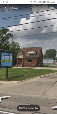 Mini Maxi Large door 43683 North Gratiot Avenue Clinton Township, MI - Photo 3
