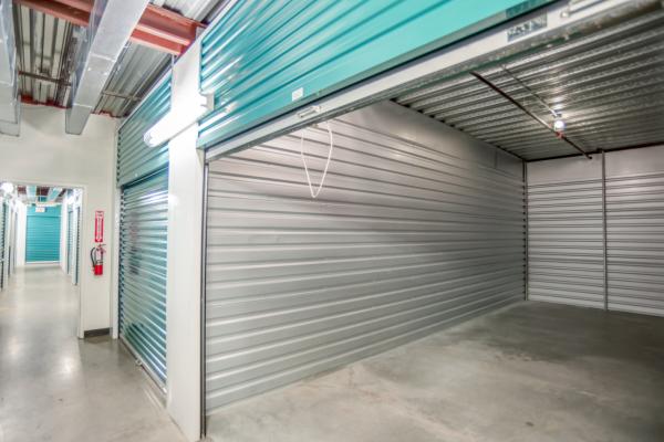 Bullseye Storage - Houston - West Dallas 3200 West Dallas Street Houston, TX - Photo 2