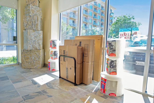 Bullseye Storage - Houston - West Dallas 3200 West Dallas Street Houston, TX - Photo 9