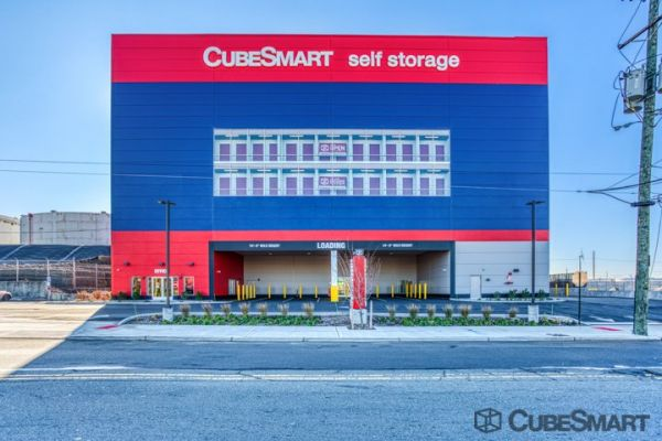 CubeSmart Self Storage - Bayonne 186 East 22nd Street Bayonne, NJ - Photo 0