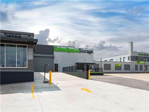 Extra Space Storage - St Louis - Vandeventer Ave 722 South Vandeventer Avenue St. Louis, MO - Photo 6