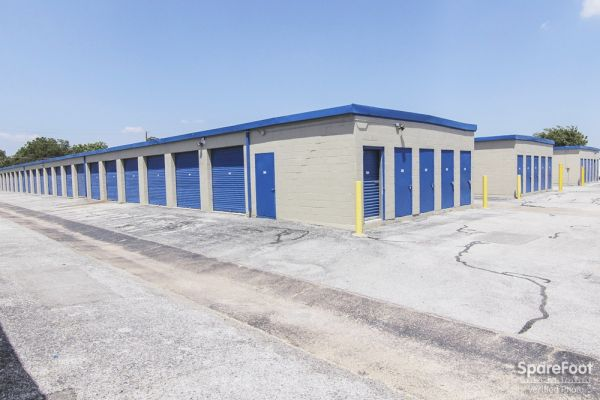 Watson & Taylor Self Storage - Garland 4417 Forest Lane Garland, TX - Photo 4