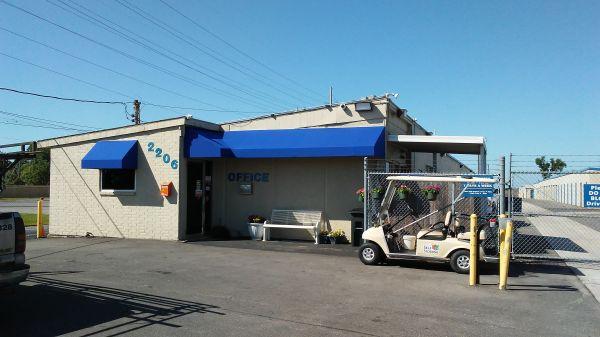 Watson & Taylor Self Storage - Bryan 2206 Finfeather Road Bryan, TX - Photo 10