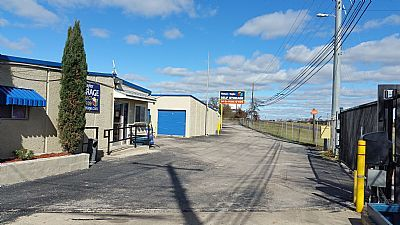 Watson & Taylor Self Storage - East Austin 6330 Harold Court Austin, TX - Photo 2