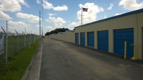 Watson & Taylor Self Storage - Judivan 6730 Fairdale Drive San Antonio, TX - Photo 7
