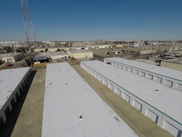 Storage Fit 3701 Dividend Drive Garland, TX - Photo 1