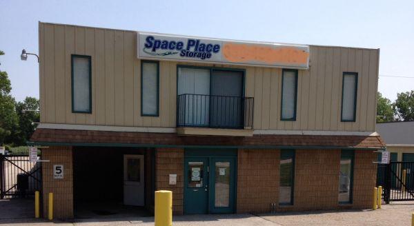 Space Place Macedonia 8945 Freeway Drive Macedonia, OH - Photo 3