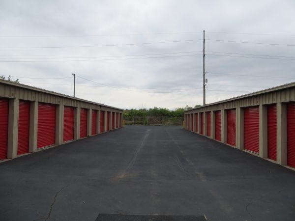 Briggs Self Storage 1521 Harrisburg Pike Columbus, OH - Photo 3