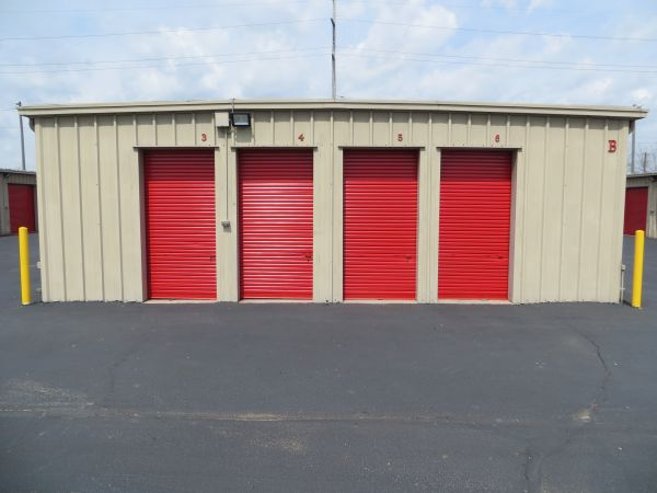 Briggs Self Storage 1521 Harrisburg Pike Columbus, OH - Photo 5