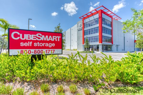 CubeSmart Self Storage - Fort Lauderdale - 5601 NE 14th Ave 5601 Northeast 14th Avenue Fort Lauderdale, FL - Photo 0