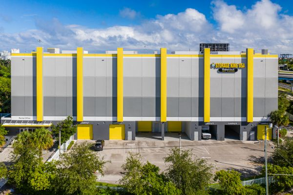Storage King USA - 035 - Fort Lauderdale, FL - SE 6th Ave 3340 Southeast 6th Avenue Fort Lauderdale, FL - Photo 1