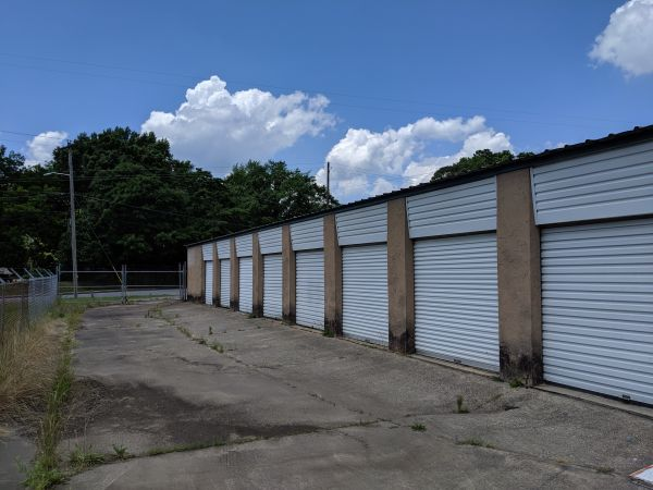 Ms. Lillian's Self-Storage - Fairburn 220 Bay Street Southeast Fairburn, GA - Photo 4