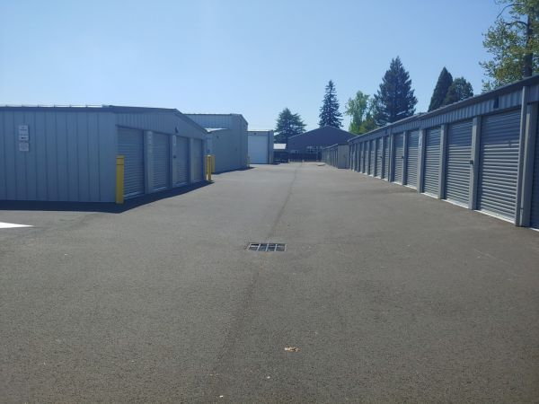 Hawthorne Mini & RV Storage 1241 Hawthorne Avenue Northeast Salem, OR - Photo 4