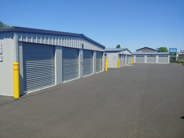 Hawthorne Mini & RV Storage 1241 Hawthorne Avenue Northeast Salem, OR - Photo 7