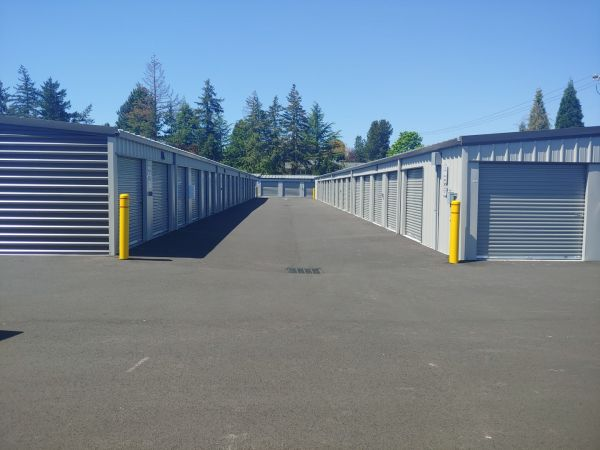 Hawthorne Mini & RV Storage 1241 Hawthorne Avenue Northeast Salem, OR - Photo 10