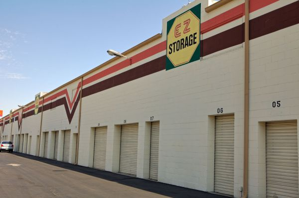 EZ Storage of Van Nuys, L.P. 15330 Hatteras Street Van Nuys, CA - Photo 2