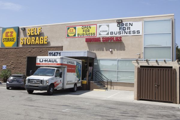 E-Z Storage-Pico, L.P. 11470 Tennessee Avenue Los Angeles, CA - Photo 1