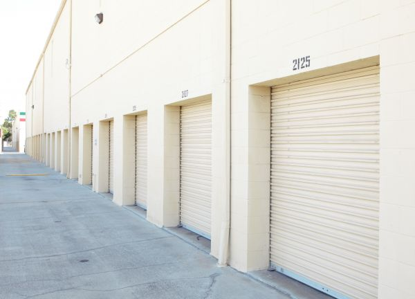 E-Z Storage-Marina, L.P. 12901 Culver Boulevard Los Angeles, CA - Photo 2