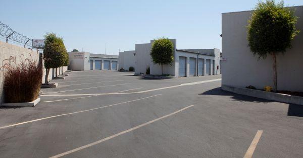 E-Z Storage of Buena Park, L.P. 8251 Orangethorpe Avenue Buena Park, CA - Photo 2